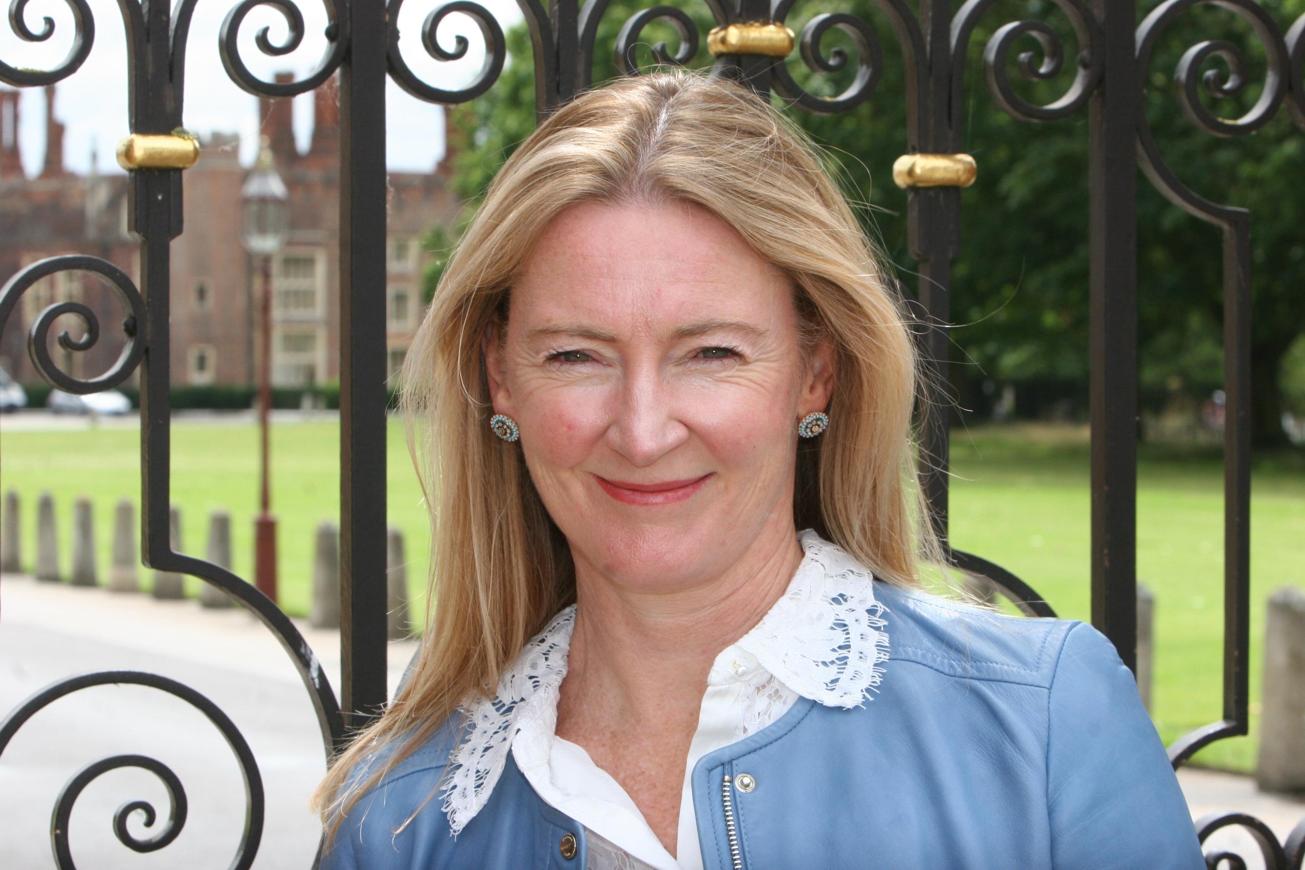 Lindi Reynolds Interior Designer, Surrey